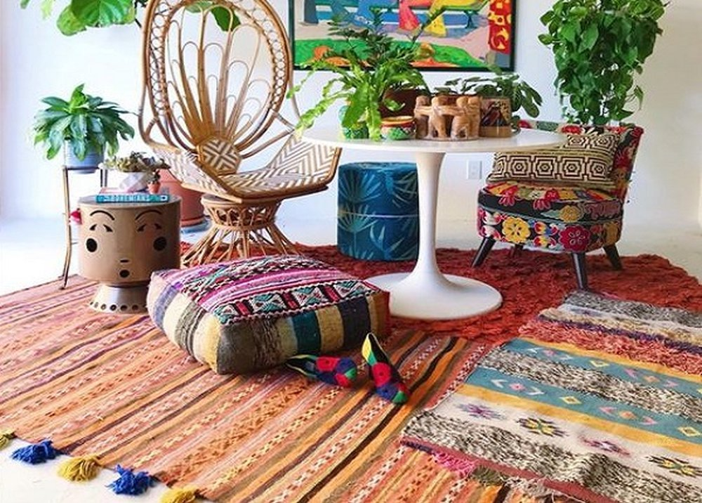 Multifarebný koberec