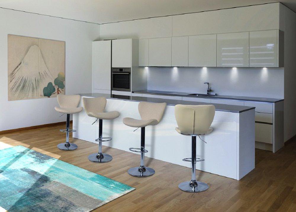 Barová stolička Tirza v kuchyni