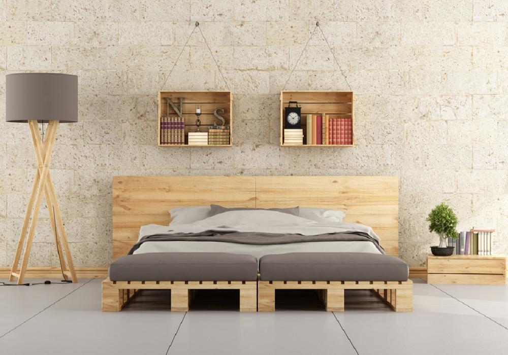 Paletová posteľ s čelom