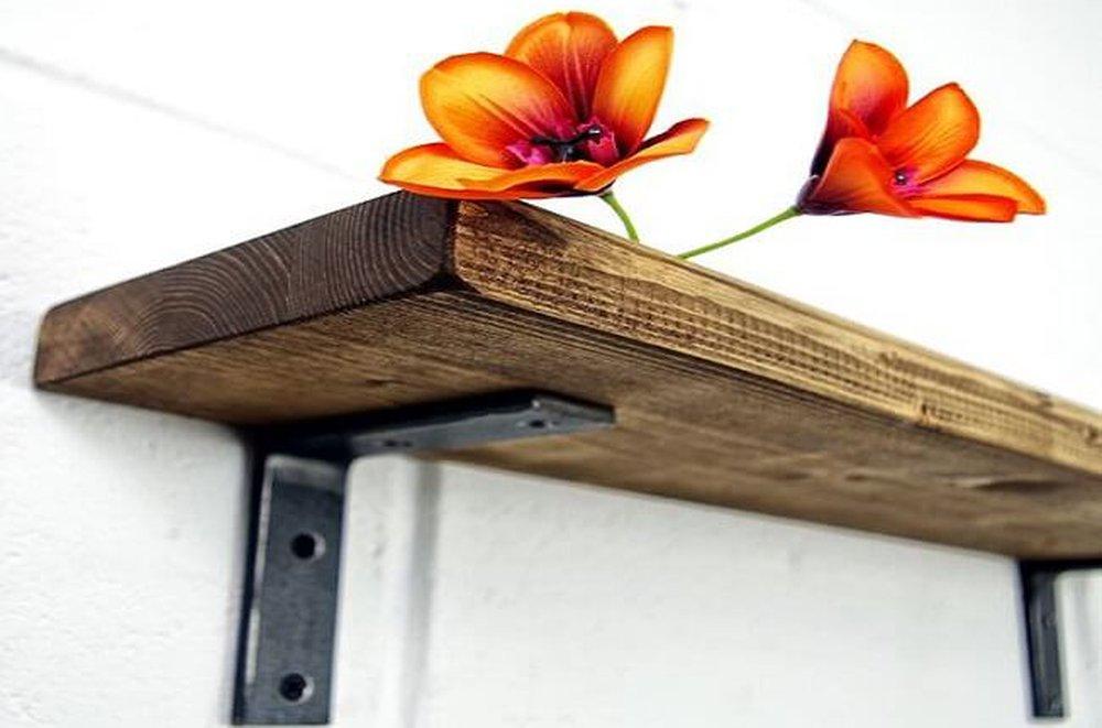 Flori pe raft