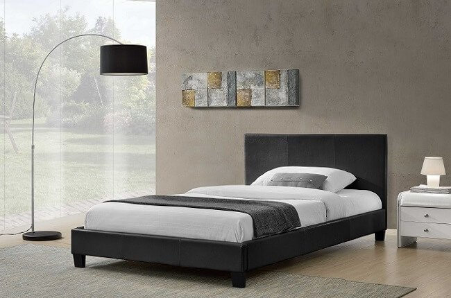 Manželská posteľ Nadira, čierna s rozmerom 180x200 cm