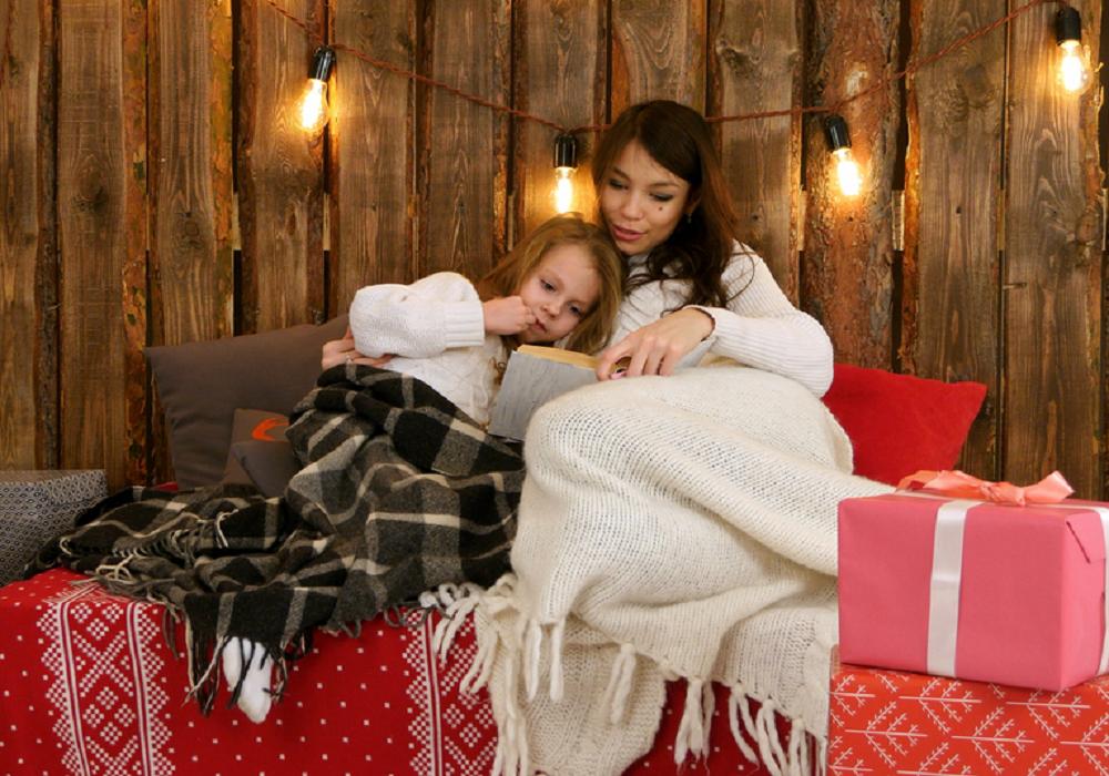 Mama s dcérou pod dekou