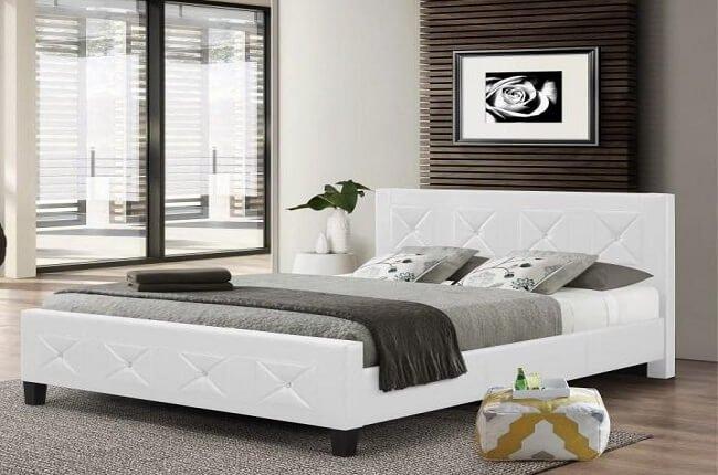 Čalúnená posteľ Carisa