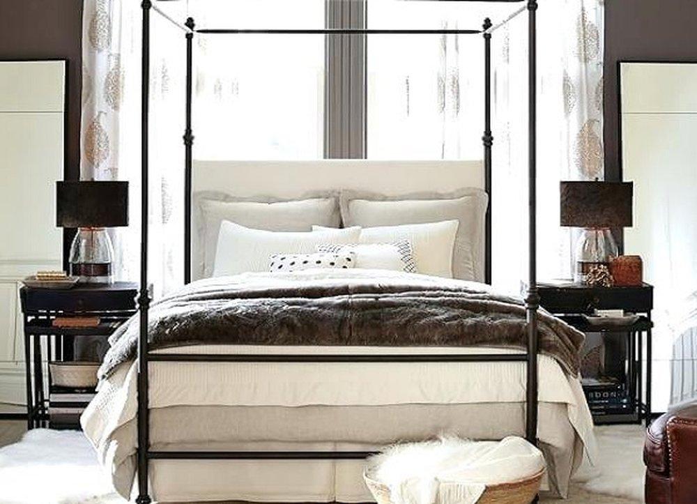Sivohnedá s bielou v spálni
