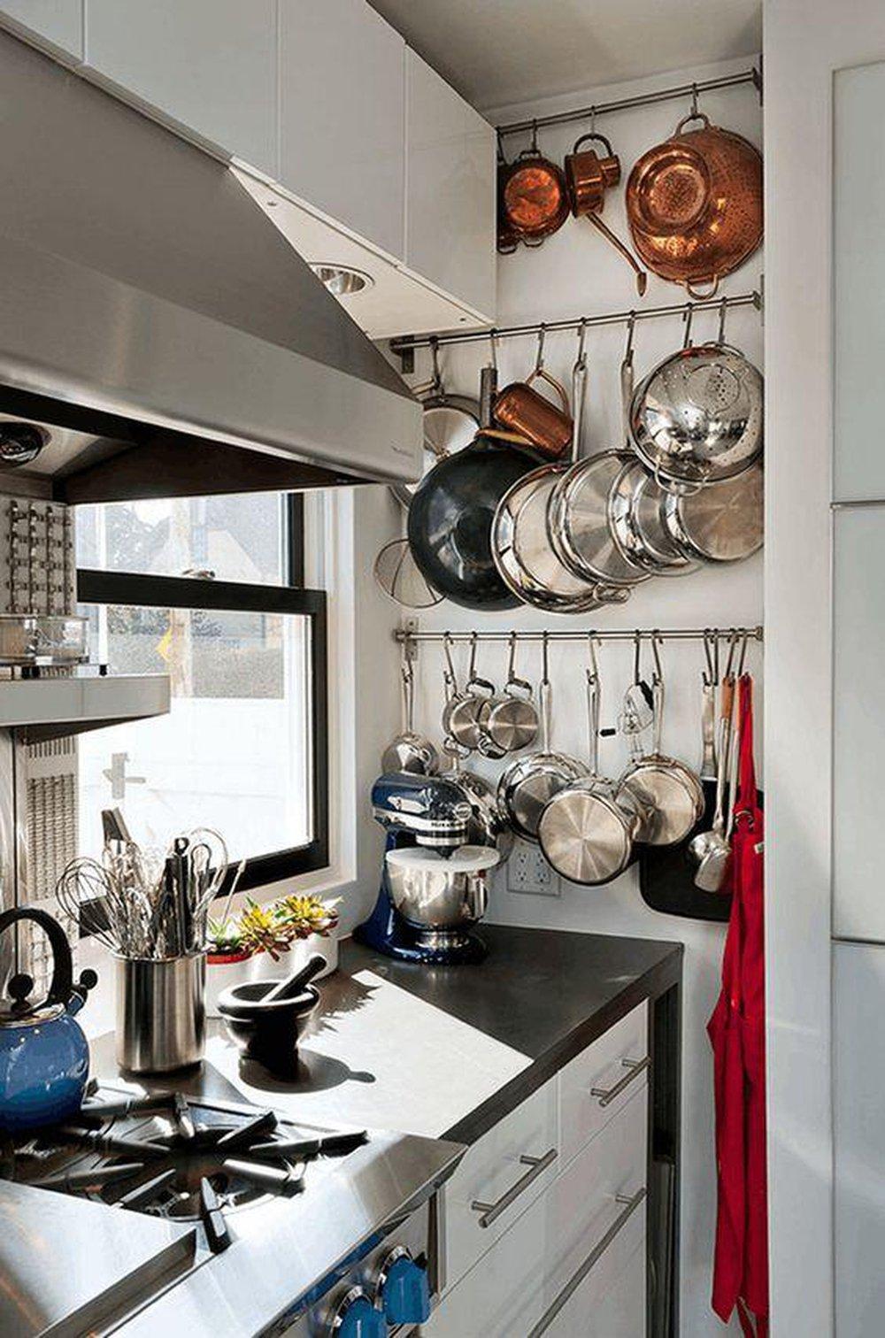 Závesný systém v kuchyni