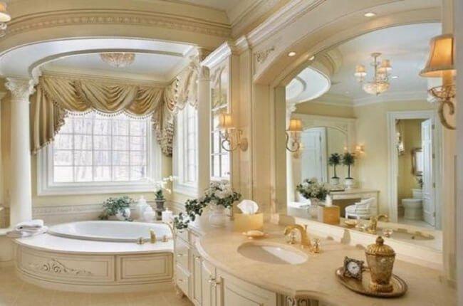 Luxusná kúpeľňa so zlatom
