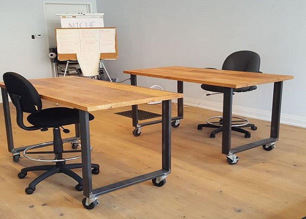 Kancelársky nábytok na kolieskach