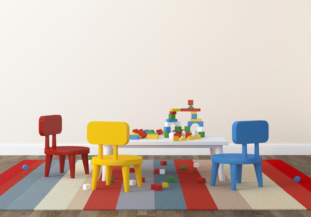 Farebný nízky nábytok pre najmenších v detskej izbe