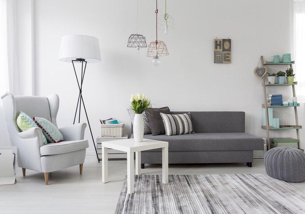 Sivá farba na stene a doplnkoch