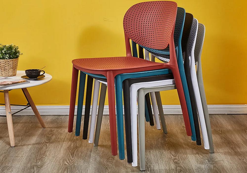 Farebné stoličky Fedra
