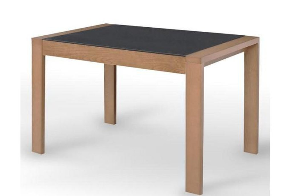 Stôl Janadan pred rozložením