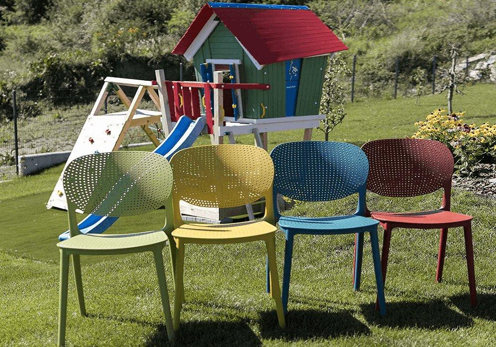 Stohovateľné záhradné stoličky Fedra v niekoľkých farbách