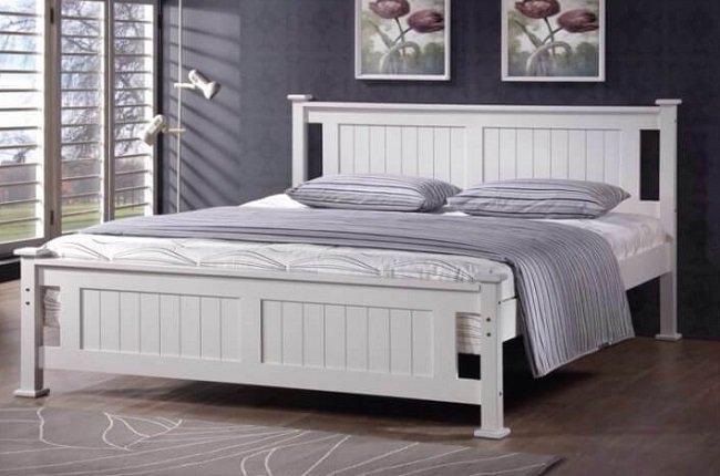 Drevená posteľ Lucas