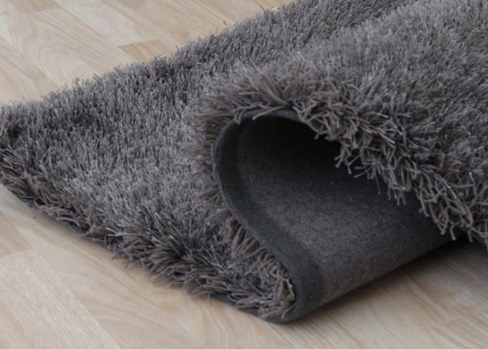 Tmavosivý koberec Kavala