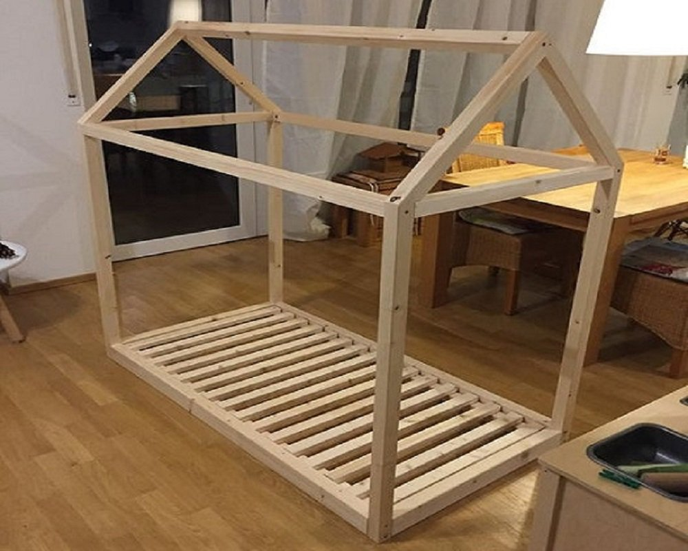 Drevená Montessori posteľ