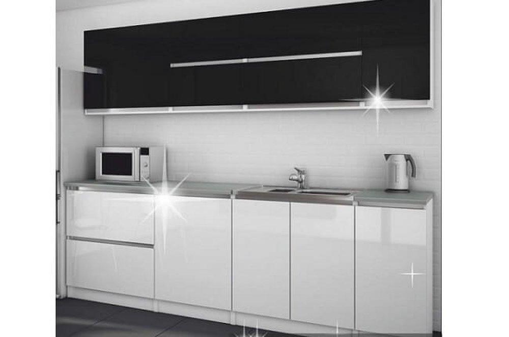 Kuchynská linka Steel v bielej a čiernej farbe