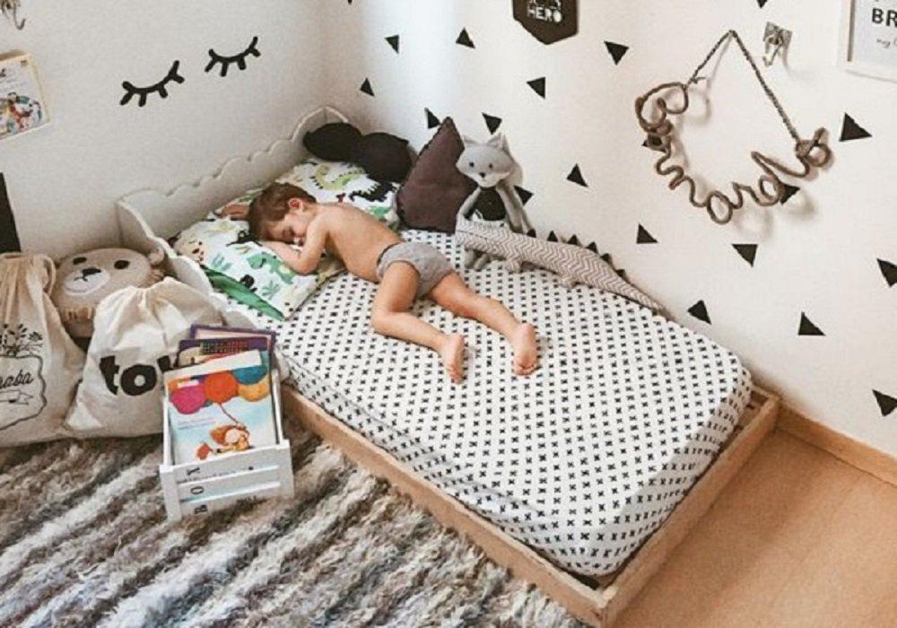Vyrobte si  Montessori posteľ z úložného kontajneru