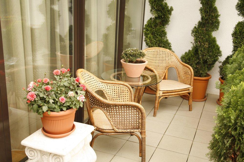 Nábytok na posedenie na balkóne