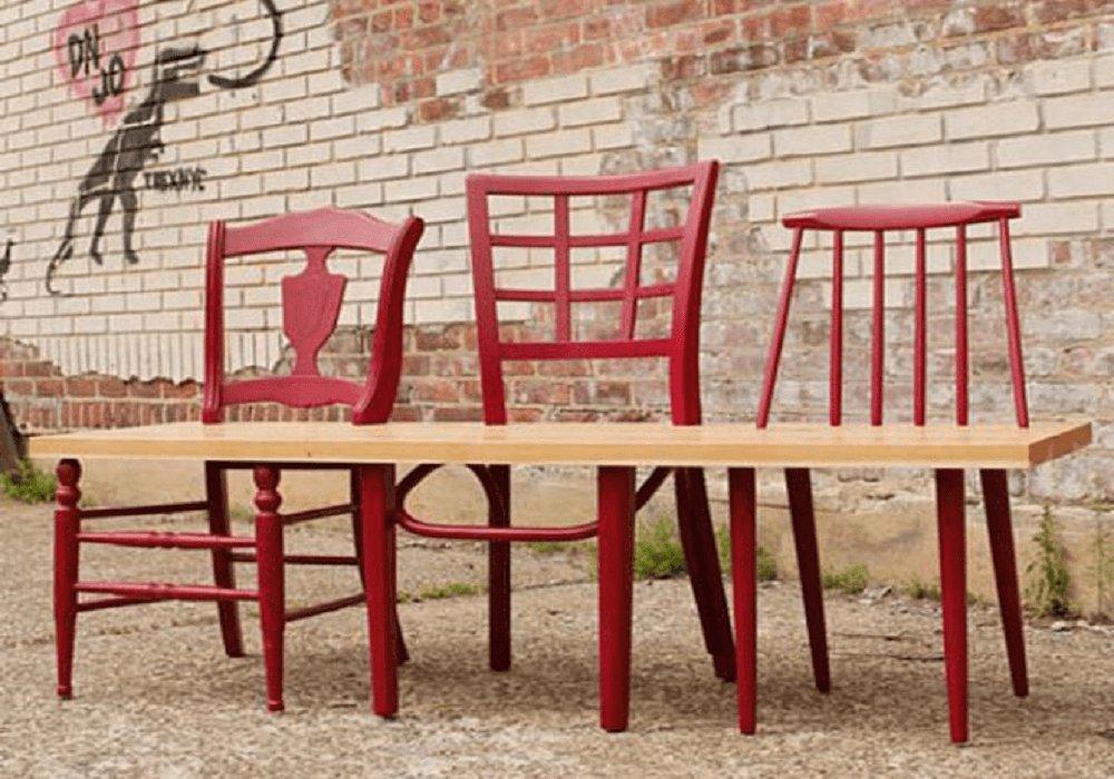 Záhradná lavica zo stoličiek
