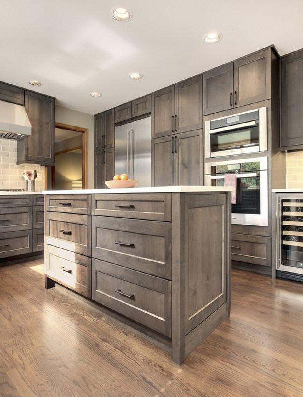Skrinky v kuchyni až po strop