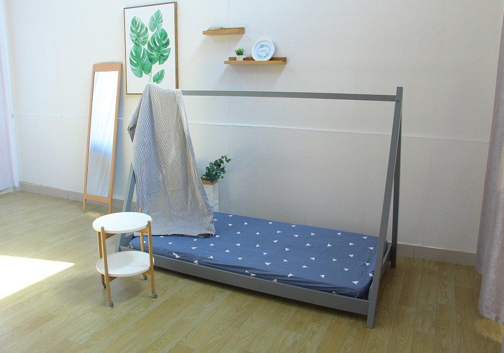 Sivá Montessori posteľ Grosi