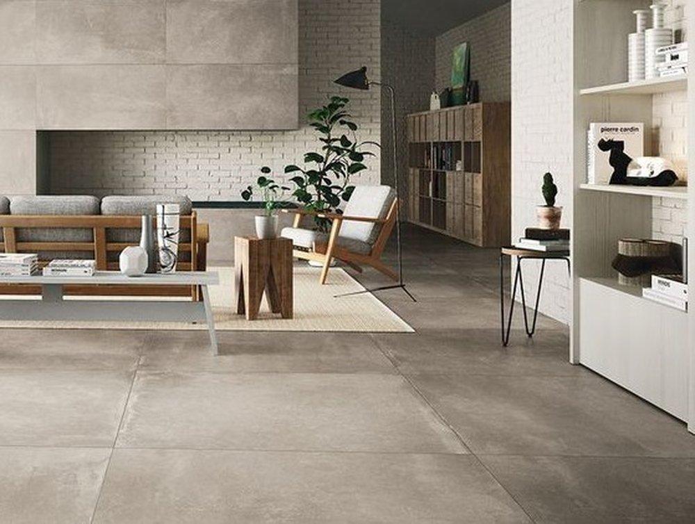 Kamenná podlaha v sivohnedej farbe